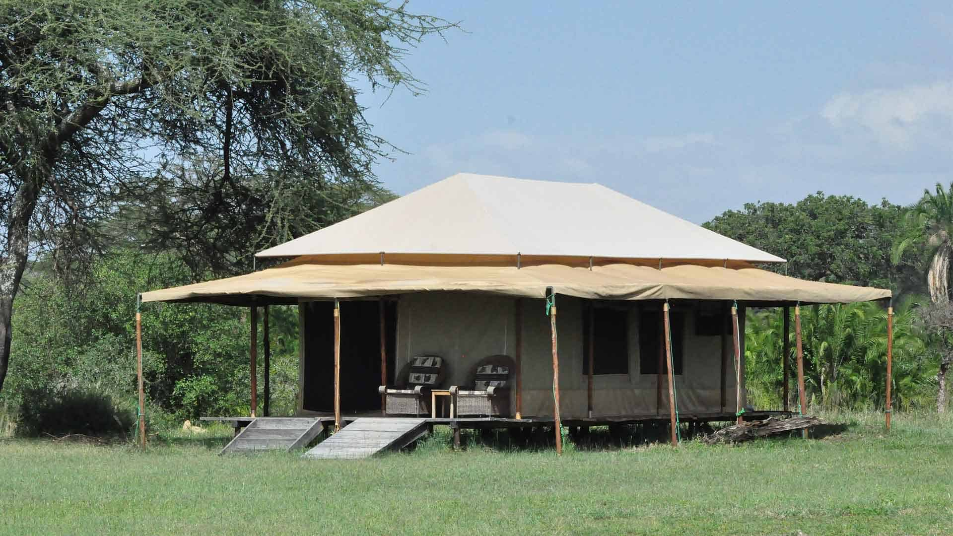 Luxury tented camping in the serengeti